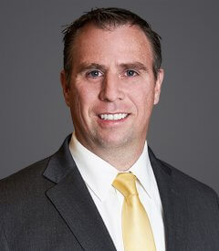 Daniel E Richardson Headshot