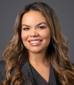 Laura E. Heyne Profile Image