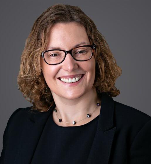 Rebecca Emery Headshot